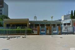 La farmacia Stanzione inaugura il nuovo locale regalando uno stereo alla  scuola Collodi