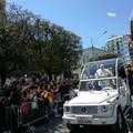 La visita di Papa Francesco: 'Non sono riuscita a non piangere'