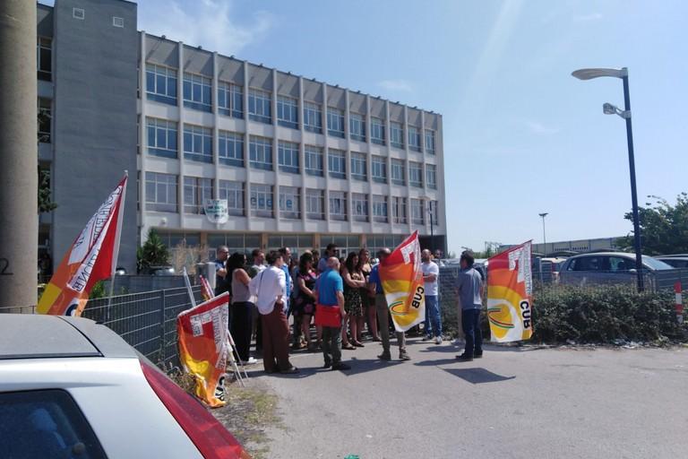 I dipendenti Olisistem in sciopero