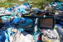 Modugno contro l'abbandono della plastica, borracce in cambio di rifiuti