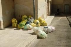 Piazza De Nicola e Vico Catania: due volti dello stesso problema