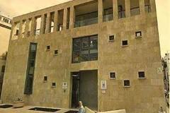 La biblioteca si sposta temporaneamente alla media d'Assisi
