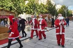 Va in soffitta il Natale da circa 50mila euro con eventi poco riusciti. Eccezione per il mercatino 'in comune' e il presepe vivente. Grazie a due associazioni cittadine