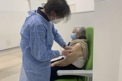 Asl Bari, il 23% della popolazione ha ricevuto la prima dose di vaccino