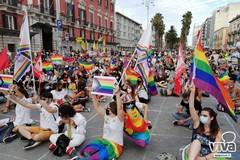 """Modugno si colora di arcobaleno """"In Nome dell'Amore"""""""