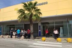 Si dimettono i commissari straordinari di Mercatone uno, sit-in in Regione Puglia