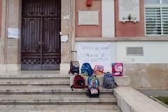 Si torna a scuola il 7 aprile in Puglia, ma Emiliano lascia la libertà di scelta