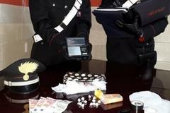 Spaccio di droga a Binetto, arrestato 41enne e denunciato complice
