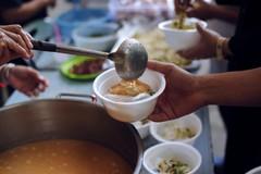 Il cibo avanzato dall'evento Megamark donato alla mensa di Modugno
