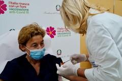 L'avvio della campagna vaccinale anti-Covid al policlinico di Bari