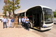 Modugno, Miccolis lancia il primo autobus 100% elettrico: parte la sperimentazione
