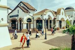 """""""Spring Black Weekend"""", ecco la nuova promozione di Puglia Outlet Village"""