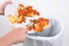 Puglia, ognuno di noi butta 80 chili di cibo nella spazzatura