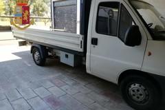 In autostrada a Modugno con 84 kg di marijuana nascosta nel furgone, arrestato