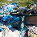 Benvenuti nelle campagne di Modugno, dove da Bari portano rifiuti
