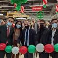 Apre Interspar a Modugno, ancora in sospeso il futuro degli ex Auchan non ricollocati