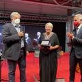 Portò in Italia 260 donne e bambini afghani, premiata Giovanna Foglia