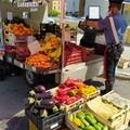 Vendita abusiva di frutta e verdura, multa di 5mila euro a Modugno