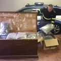 Modugno, sequestrati ad un 62enne salentino 58 kg di marijuana