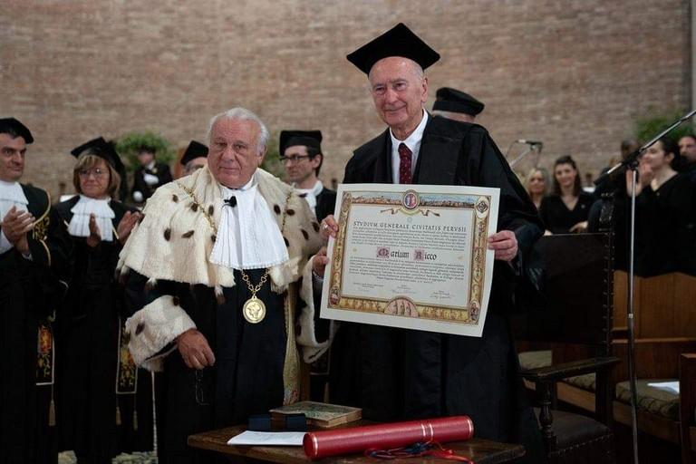 La laurea Honoris causa a Mario Ricco