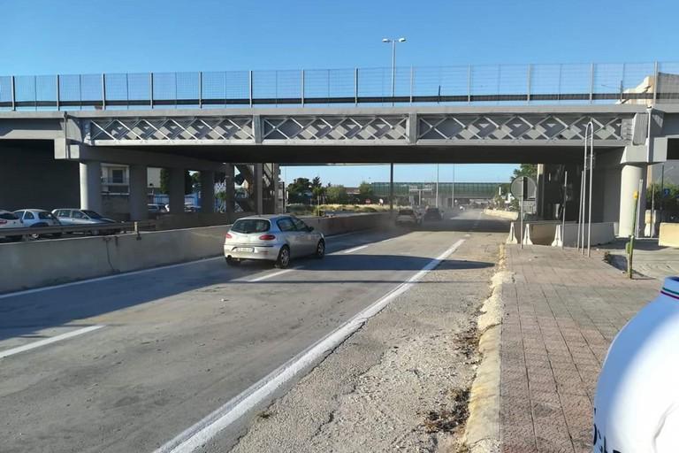 Il ponte sulla SS96 riaperto