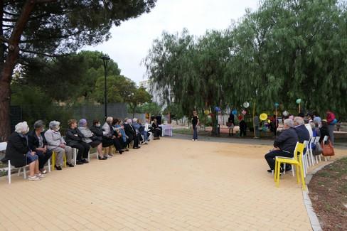 Festa dei nonni a Modugno: canti e balli nel parco di via Ancona